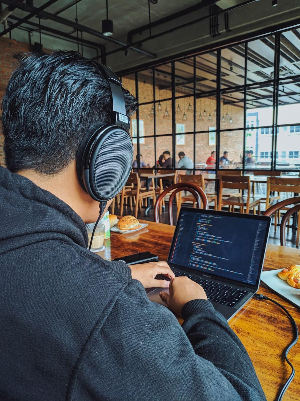 Paklijst voor digital nomads - locatieonafhankelijk werken