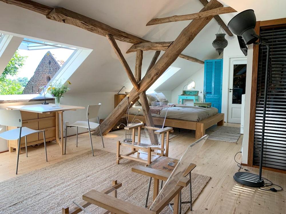 Lichte studio in een boerderij in Maastricht