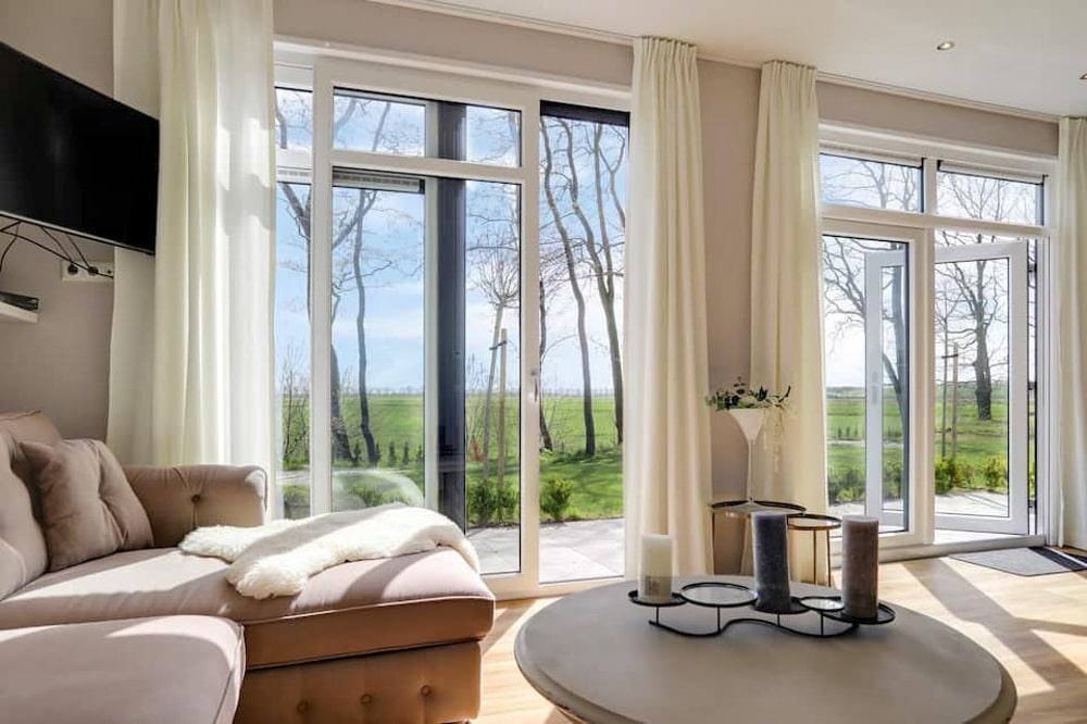 Woonkamer van de Airbnb in Oosterwolde